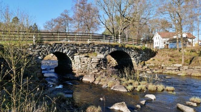 """Steinbrücke """"Sju Strömmar"""" in Torestorp"""